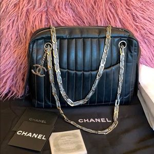 💕Authentic Chanel Mademoiselle camera handbag!